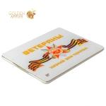 Кожаный чехол книжка для iPad 4 / 3 / 2 Jisoncase Executive Print с рисунком Ветераны: поклон Вам вид 2